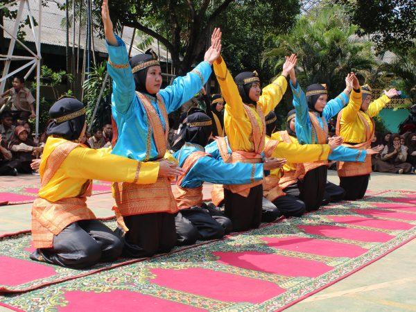 Ekstrakulikuler Seni Tari Sekolah SMK Trimulia Jakarta
